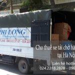 Xe tải chở hàng nhanh chóng tại phố Hàng Chiếu