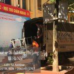 Cho thuê xe tải tại phố Hàng Hòm.